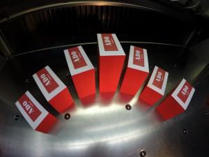 Visitenkarten mit rotem Farbschnitt